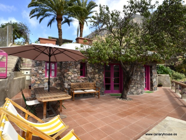 House with land for sale in Mogán, Gran Canaria.