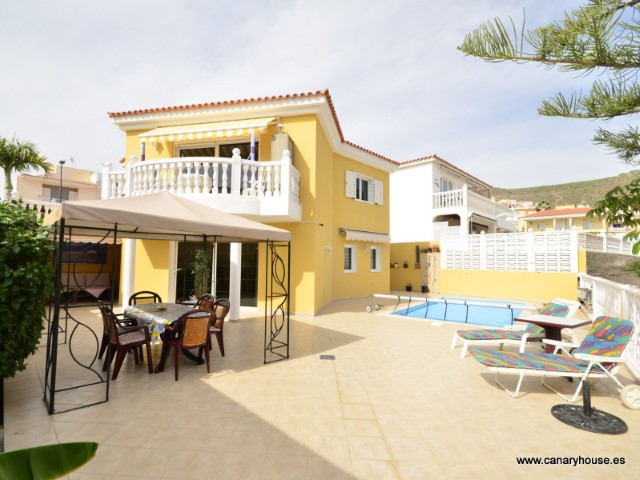 Villa  - Property for sale in Arguineguin, Gran Canaria.