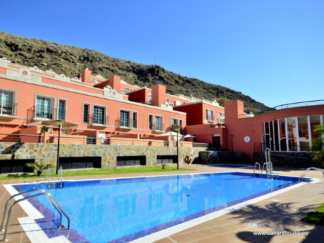 Apartment for sale in Puerto Rico, Gran Canaria, Canary Islands.