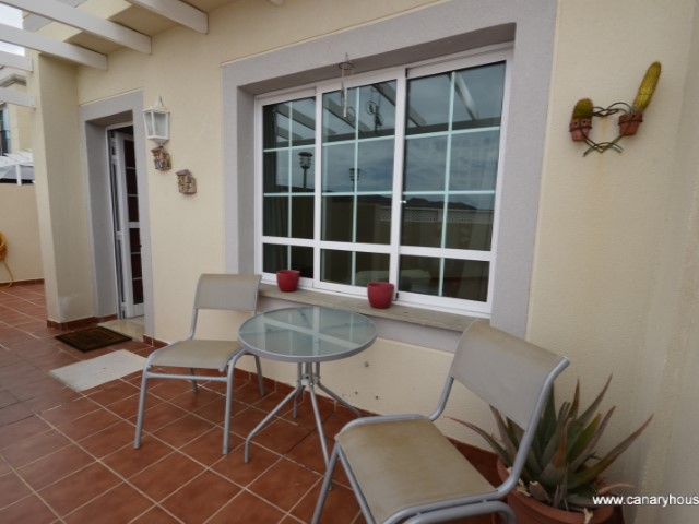 House, duplex for sale, with three bedrooms, two bathrooms, in the residential area of Puerto Rico.