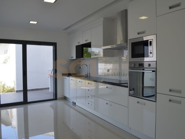 Apartment 2 Bedrooms › Corroios