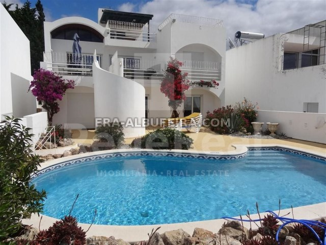 Highlight of Villa with sea view and pool in Algarve, Portugal