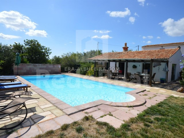View of farm with 6 Pool rooms in Algarve with 14,000 m2 of land