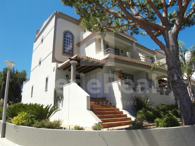 Overview of Villa in Quinta do Lago, Algarve