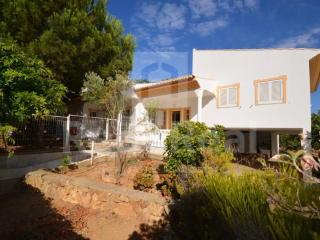 back of House 4 sale in Albufeira