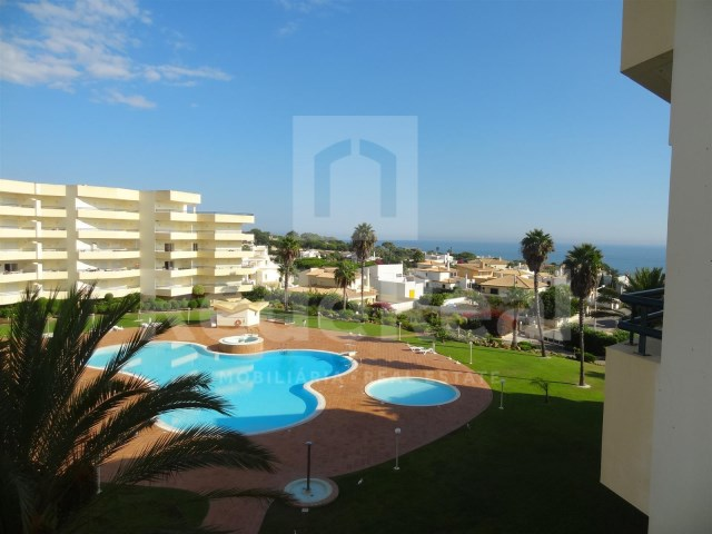 Overview of 2 bedroom apartment with sea view in Albufeira
