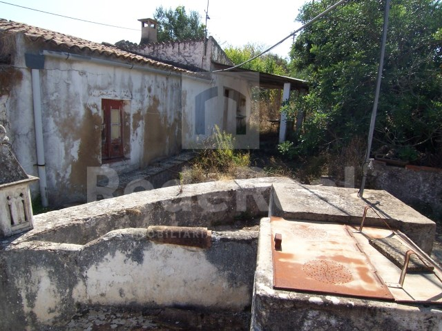 Old House to retrieve in the Algarve