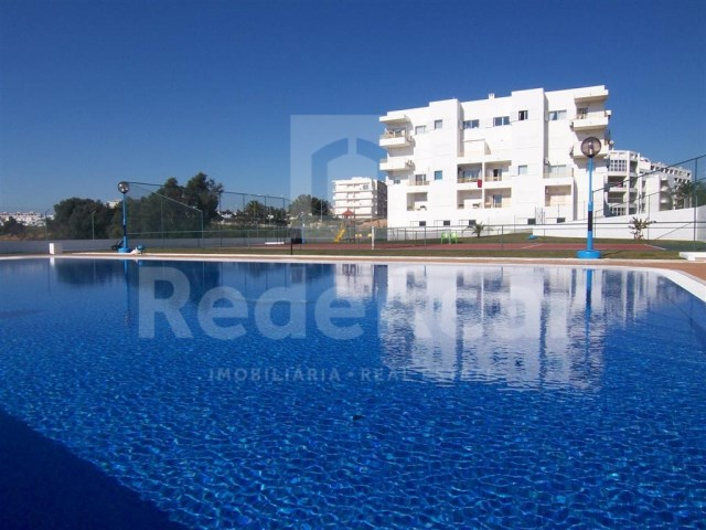 Shop in Albufeira in condominium with swimming pool and Garden