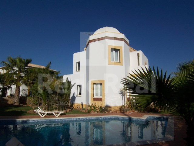 3 bedroom villa for sale in the Algarve, guide