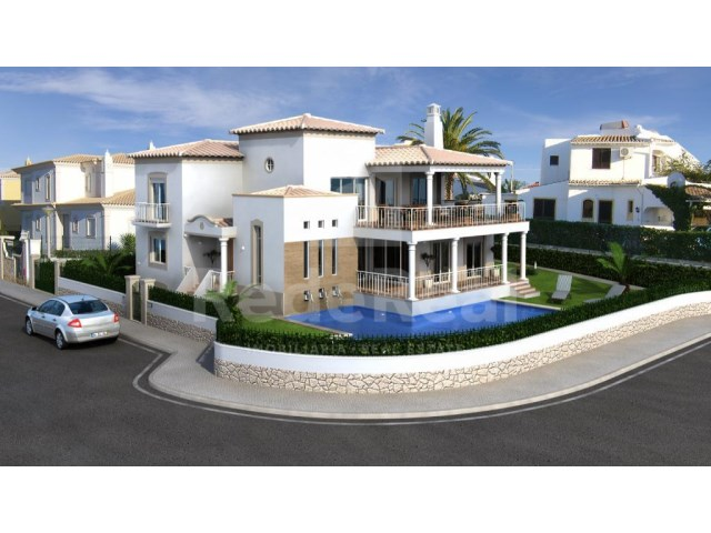 Detached house in a residential area near the beach quality for sale in Faro