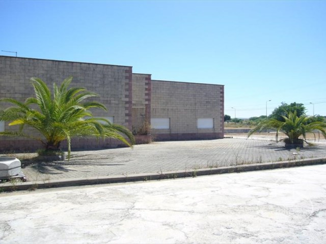 *** Warehouses in Montemor-o-Novo * * Reduced Spread ** 100% Financing *** |