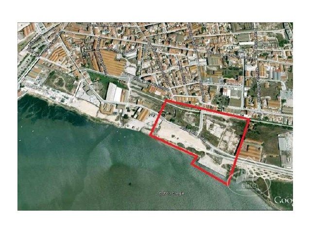 Urban land for construction of buildings the beira rio in Montijo, Lime oven |