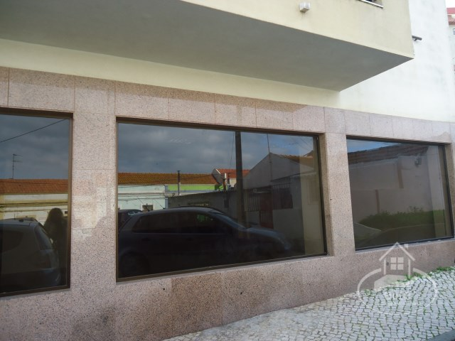 Shop with 107 m2 in the Hospital area, Setúbal |