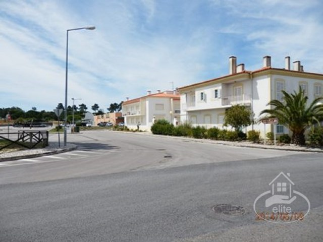 Urban land with 1449 m2 in Sesimbra, Carrasqueira |