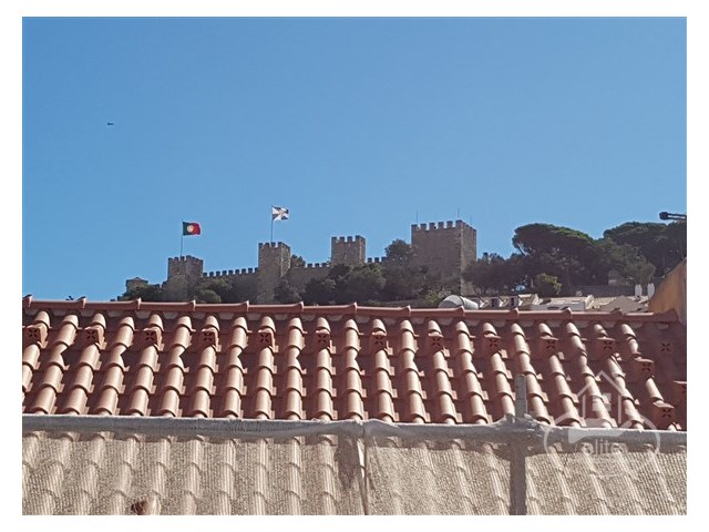 3 bedroom apartment in PRIME area of Lisbon, overlooking the castle of S. Jorge | 3 Bedrooms | 1WC