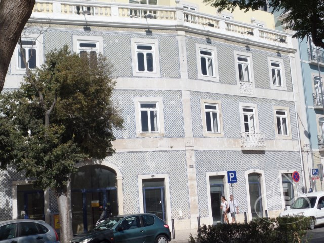Office building in the central area of Setúbal, downtown |