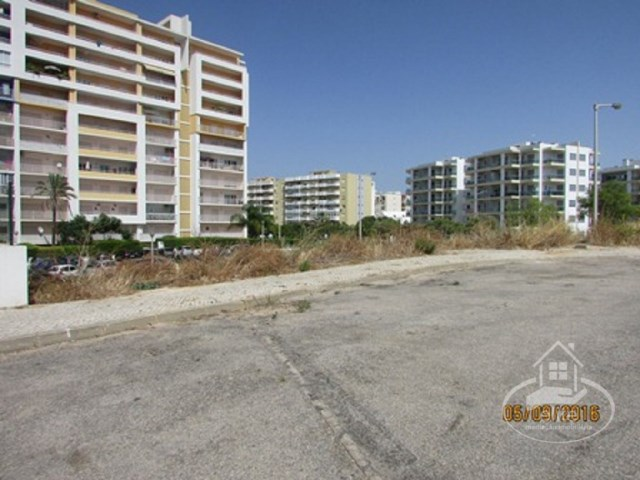 Plot of land for construction, just minutes from Praia da Rocha, Portimão |