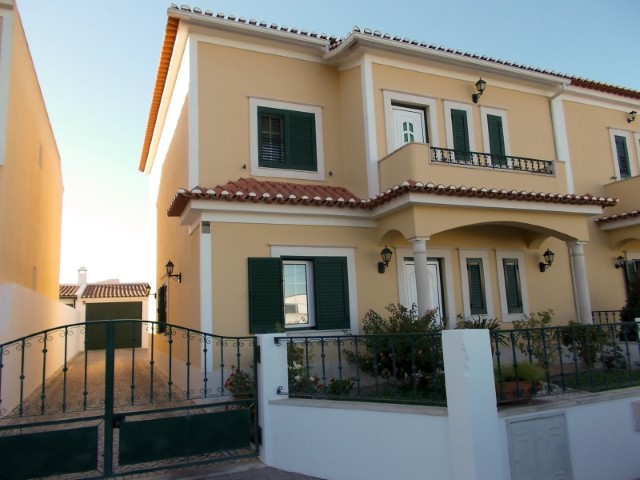 3 bedroom villa with +1 Annex and garage near Almeirim