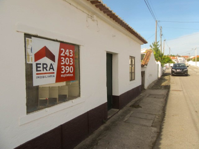 Housing and store to Retrieve the Secorio
