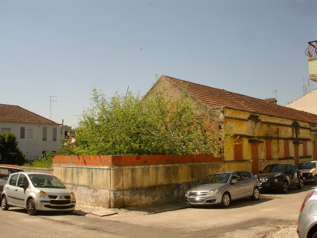 Terrain in Santarém centre next to Shopping, for sale