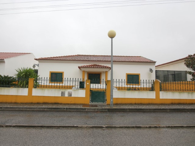 House 4 Bedrooms › Alpiarça