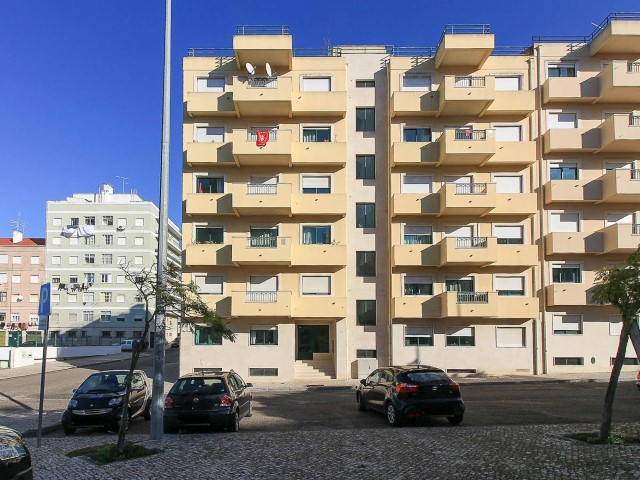 Apartment T3 with Place Garage, in Santarém Next to the Polytechnic, For Sale