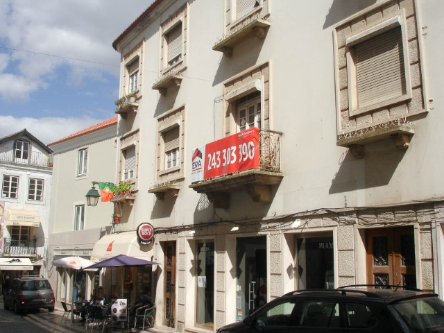 Noble building with 3 Floors for Commerce and housing, in the City Centre for sale