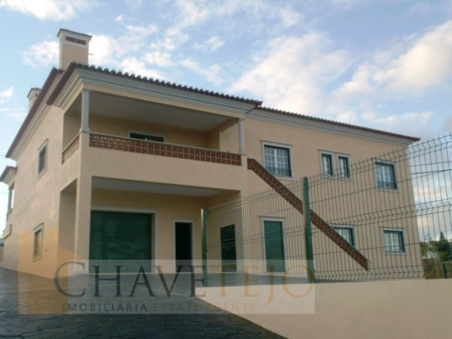 House 5 Bedrooms › Madalena e Beselga