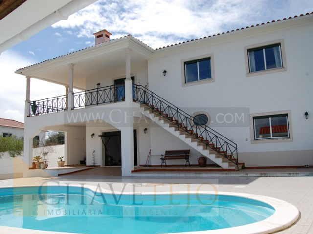 House 4 Bedrooms › Serra e Junceira