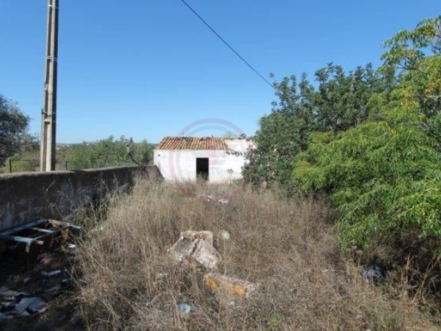 Plot of land with ruin to reconstruct, in Almancil | 1 Bedroom | 1WC