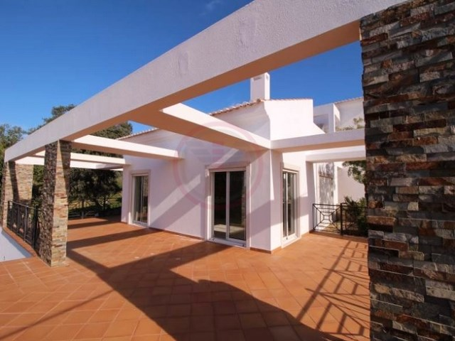 Modern villa with sea view and swimming pool with 3+1 bedrooms | 3 Bedrooms + 1 Interior Bedroom | 3WC