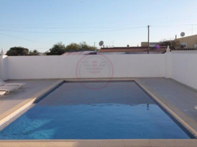 Semi-detached villa of 3 bedrooms with shared pool in Almancil | 3 Bedrooms | 4WC