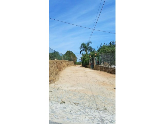 Land with sea view for construction, 10 minutes from the airport |