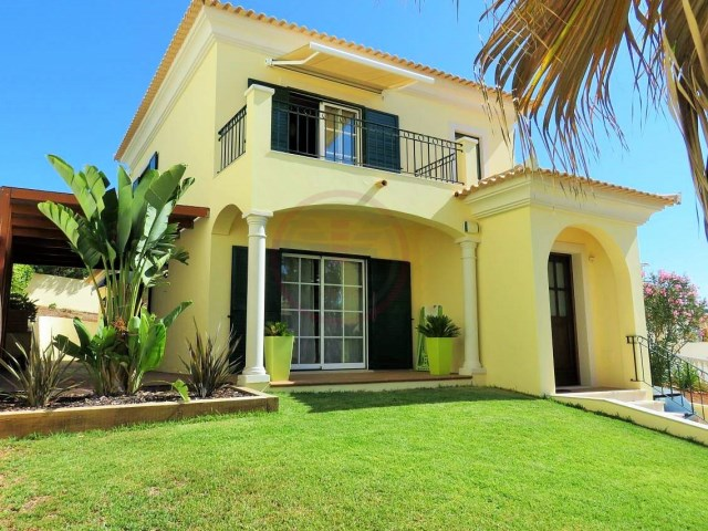 Recently built villa with 3 bedrooms, near the amenities | 3 Bedrooms + 1 Interior Bedroom | 3WC