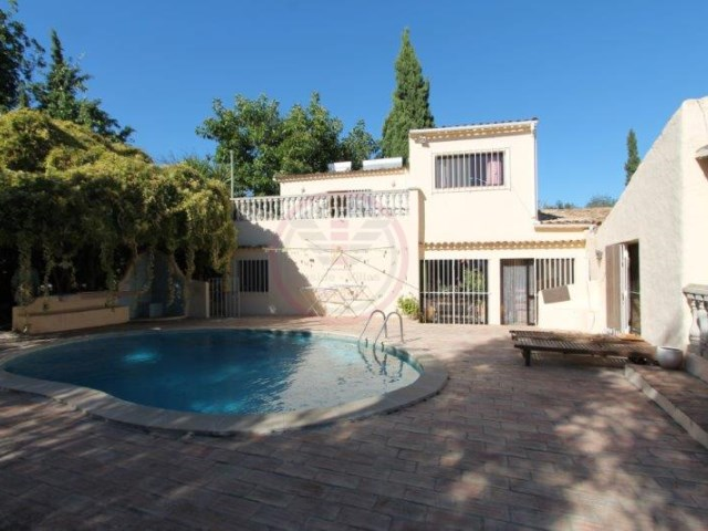 Villa with 4 bedrooms close to the beach and with sea views | 4 Bedrooms | 3WC