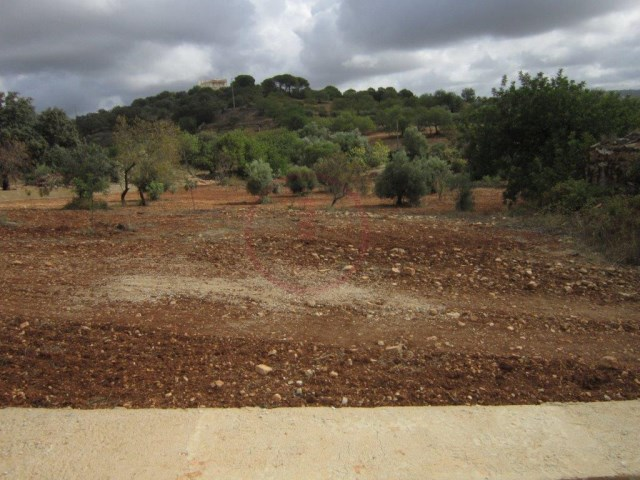 Plot of land near Loule for construction |