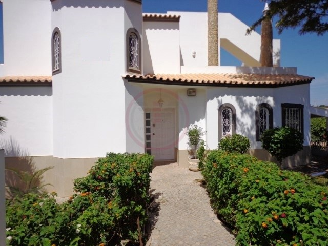 Family villa with 5 bedrooms in Loulé | 5 Bedrooms | 4WC