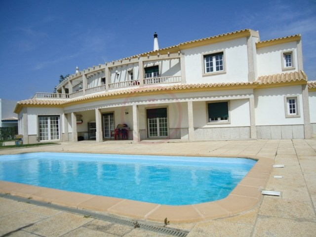 Villa with 9 bedrooms, perfect for B&B | 9 Bedrooms | 10WC