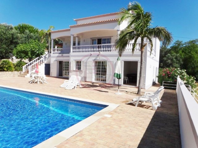 3+1  bedroom villa with pool and annex, near Loulé | 3 Bedrooms + 1 Interior Bedroom | 3WC
