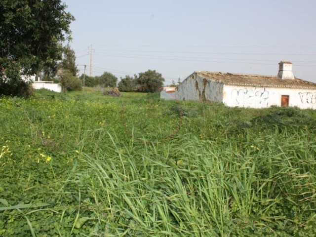 Plot for construction on the outskirts of Almancil with 711sqm |