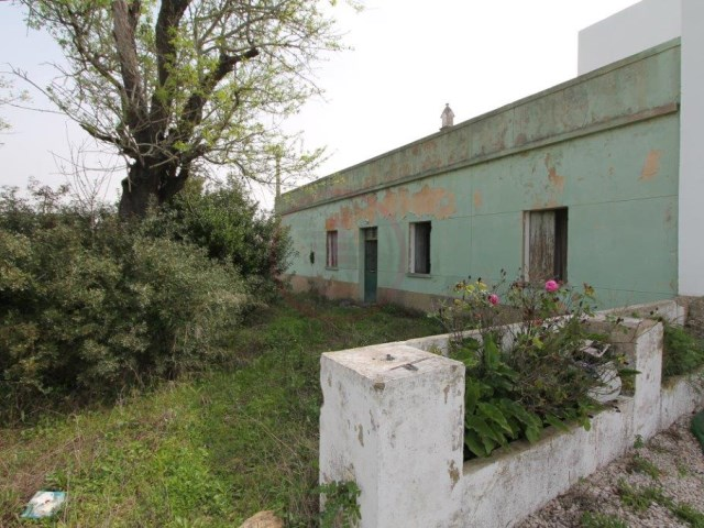 Plot in Boliqueime with ruina |