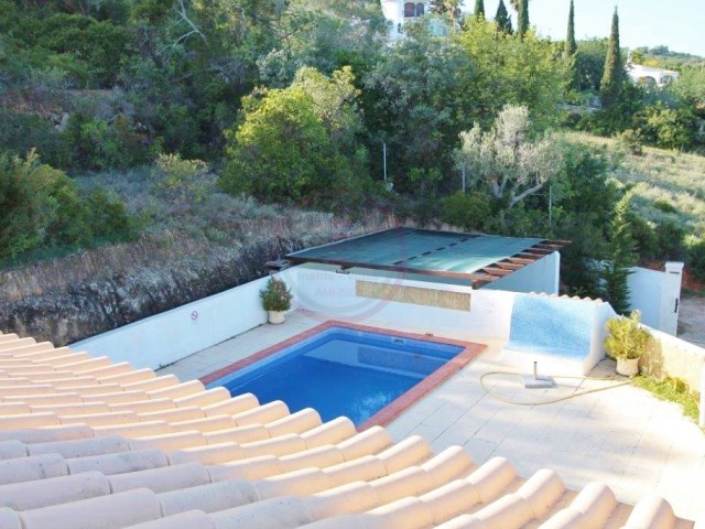 Villa with 3 bedrooms and swimming pool, near Estoi | 3 Bedrooms | 2WC