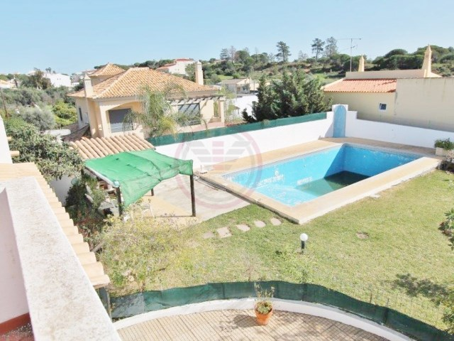 Villa with 5 bedrooms and pool, near Almancil | 5 Bedrooms | 2WC