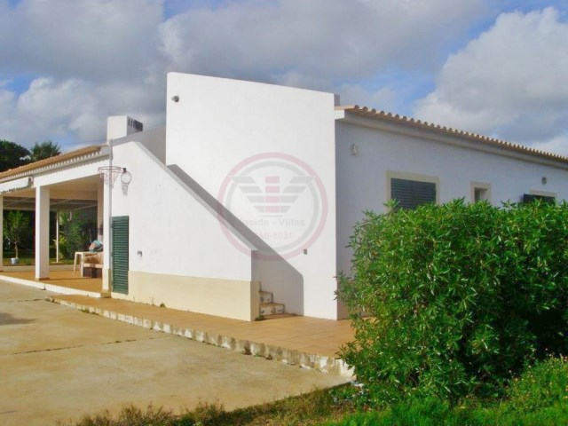 Villa for sale with 3 bedrooms and garden in Estoi | 3 Bedrooms | 2WC