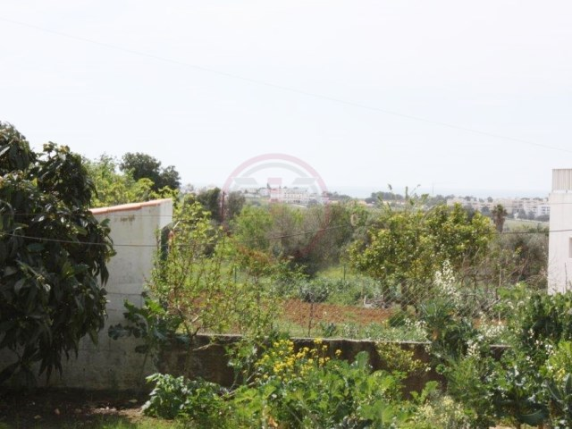 Plot for construction of villa with 2 floors with seaviews |
