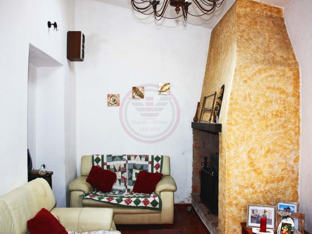 Traditional townhouse with 3 bedrooms in the Centre of São Brás de Alportel | 3 Bedrooms | 1WC