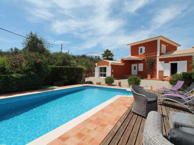 Villa with 3 bedrooms, on top of the hill, with pool, near Tavira | 3 Bedrooms | 2WC