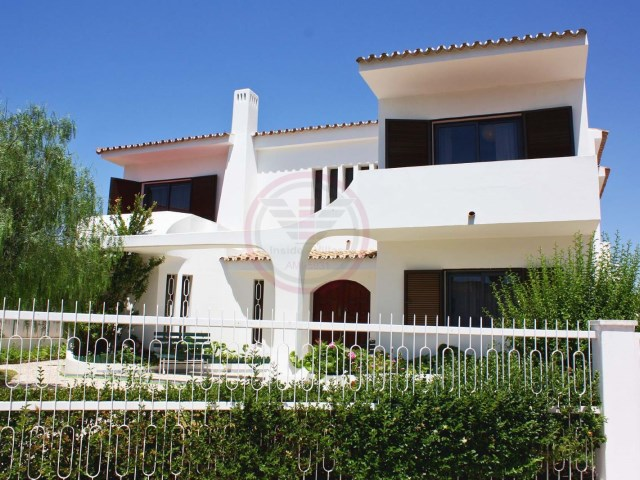 Villa with 5 bedrooms, 3 km from the Marina Pier | 5 Bedrooms | 5WC