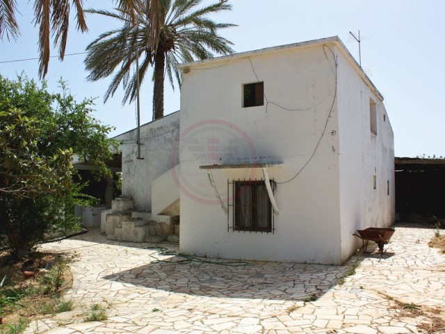 Villa with 3 bedrooms in Santa Bárbara de Nexe, to renovate | 3 Bedrooms | 1WC