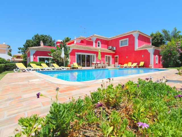 Charming villa with 5 bedrooms and pool in Almancil | 5 Bedrooms | 3WC